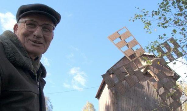Михась Бернат создал в деревне Русино уникальный комплекс ремесел, куда приезжают на экскурсию.