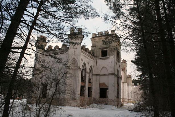 Коссовский замок. 2010 год. Дворец еще является центром одного из крупнейших парков Беларуси