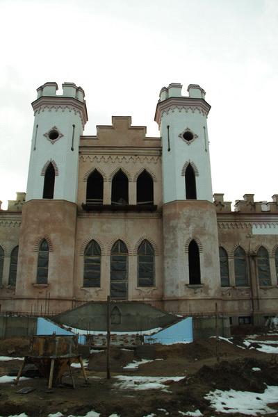 Коссовский замок. 2014 год. Изменен парадный вход