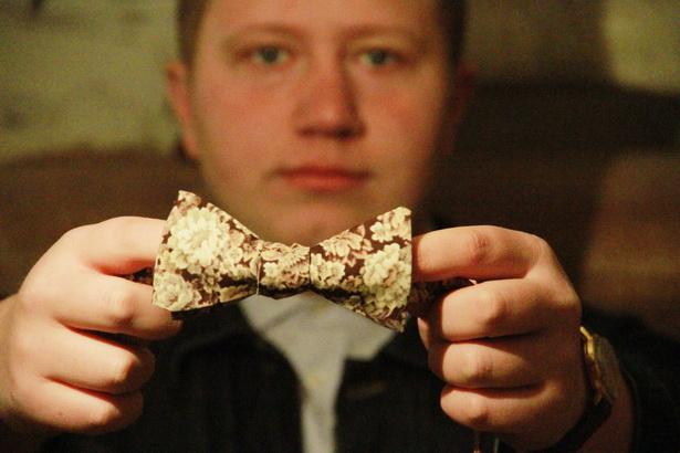 Галстук-бабочка – самый распространенный на сегодняшний день товар Жени Бычковского