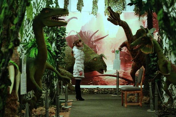 В Барановичах открылась выставка динозавров