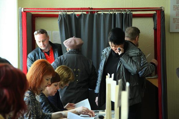 Избирательный участок в СШ №7. Барановичи, 23 марта