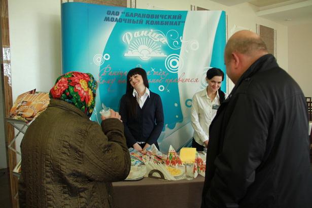 На молочном комбинате в день выборов устроили дегустацию молочной продукции, 23 марта, Барановичи