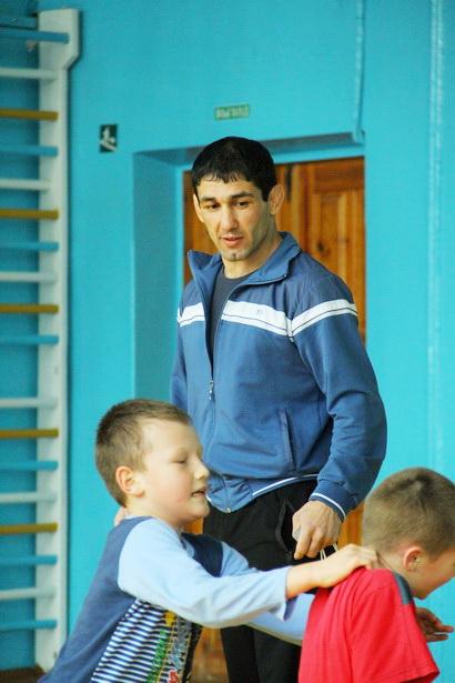 Мастер спорта международного класса, бронзовый призер ЧМ по греко-римской борьбе Довлет Мамедов