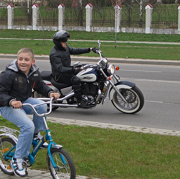 Открытие мотосезона-2014 в Барановичах 12 апреля. Фото Дмитрия Макаревича