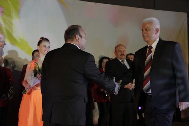 Василий Балюк стал «Человеком года» в области строительства. Фото: Александр Трипутько