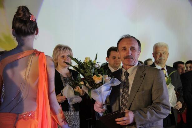 Анатолий Хвойницкий получил награду в области физической культуры, спорта и туризма. Фото: Александр Трипутько