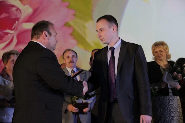 Владимиру Максимчику вручили награду в правоохранительной сфере. Фото: Александр Трипутько