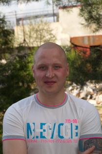 Свой бизнес по очистке канализации Максим Новик начал в 18 лет и ни разу не пожалел о выбранной нише.