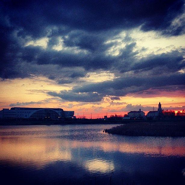 @_rinast  Вечаровае неба над Паўночным