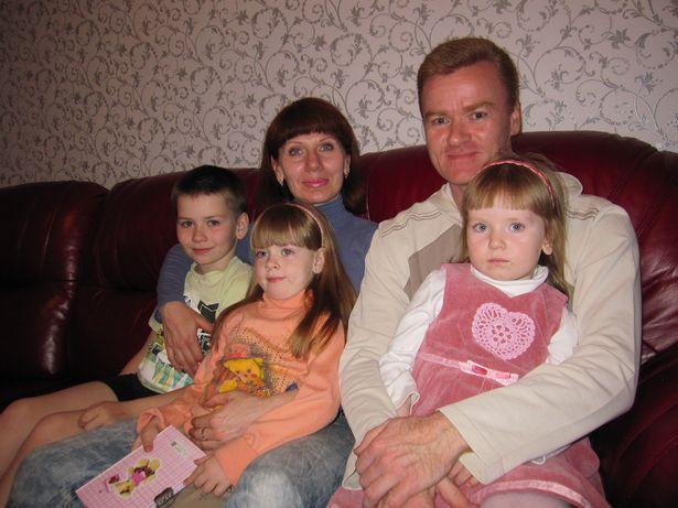 Екатерина и Виталий Сокольчик познакомились в парашютном спорте. Они надеются, что их дети Савелий, Василиса и Доминикана будут иметь возможность заниматься в аэроклубе.