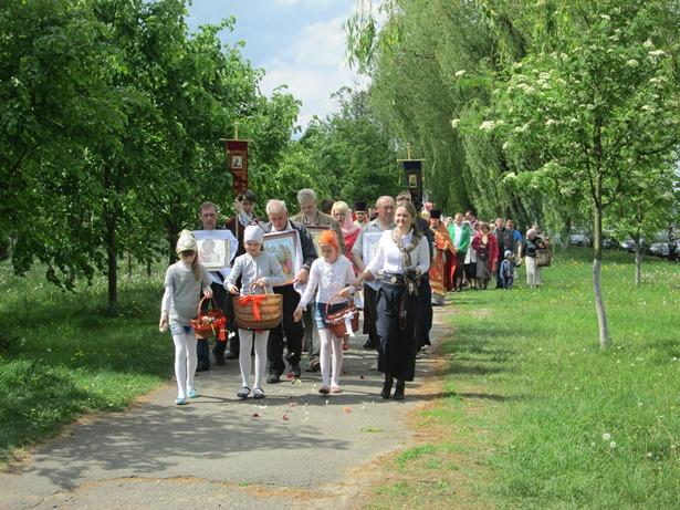 В Свято-Георгиевский приход в Северном микрорайоне принесены мощи святой Матроны Московской