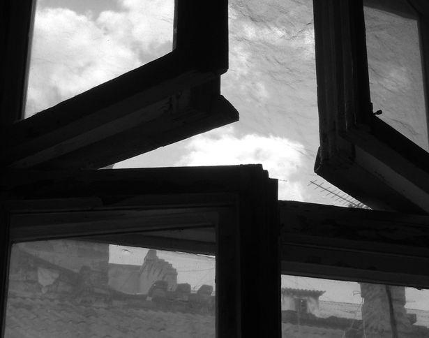 Из окна одного из общежитий города выбросили полугодовалого мальчика