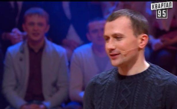 Иван Казак во время игры Рассмеши комика