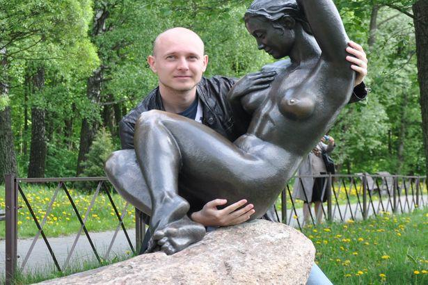 Виталий надеется, что, увидев его, незнакомка по имени Наташа откликнется