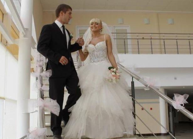 Свою свадьбу Антон и Наталья Кушнир праздновали несколько раз. Было торжество и в Барановичах.