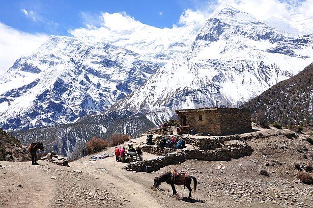 Звычайная горная стаянка для турыстаў ў непальскіх Гімалаях.