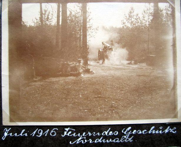 Нямецкая гармата пад час боя ў ліпені 1916 года. Фота з альбома доктара Макса Якобі