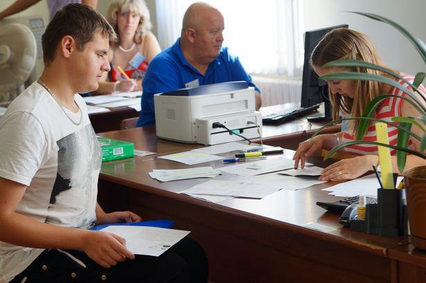 Александр Забаровский один из первых подал документы на инженерный факультет. Фото Дмитрия Макаревича