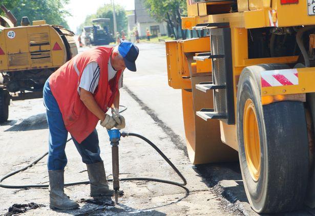 В Барановичах ремонтируют улицу Калинина