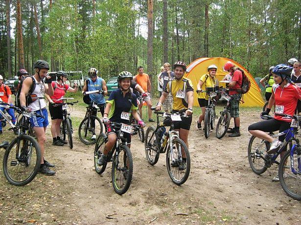 В гонке приняли участие более 200 велосипедистов. фото Виктора ШЕРЫШЕВА