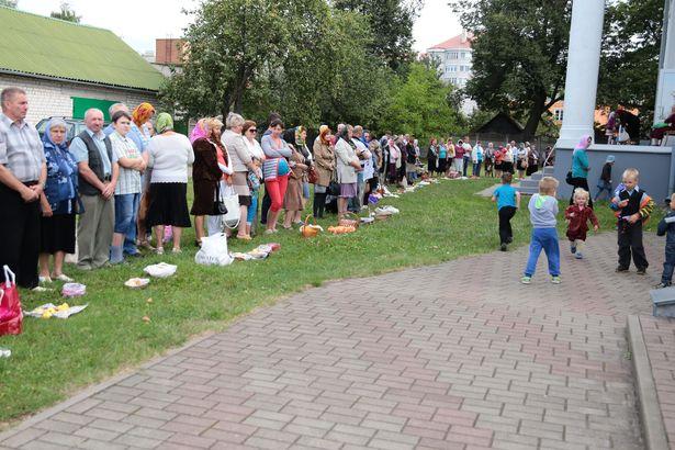 Яблычны Спас: асвячэнне яблыкаў каля Пакроўскага сабора