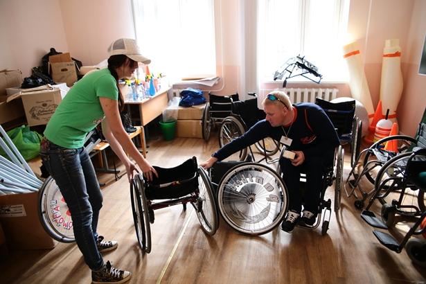 Мастер Яша из Бобруйска помогает выбрать коляску