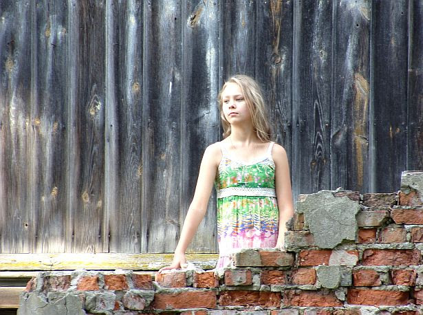 Каля палаца Рэйтанаў, Грушаўка, фестываль сучаснага мастацтва ДАХ, 23 жніўня, 2014. Фота: Алесь Гізун