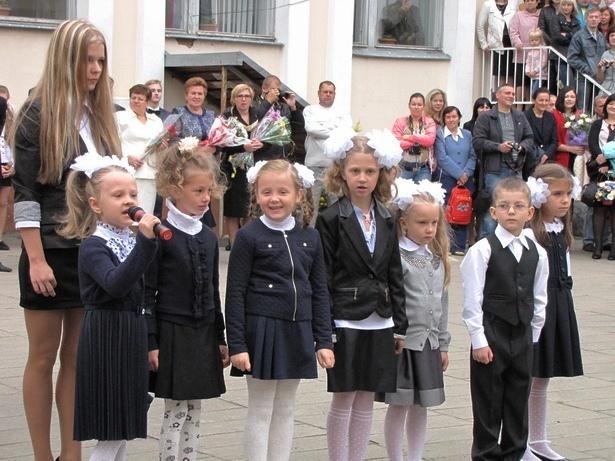 В барановичских школах начался учебный год. Фото INTEX-PRESS