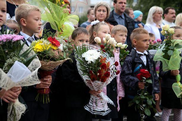 В барановичских школах начался учебный год. Фото: Дмитрий МАКАРЕВИЧ