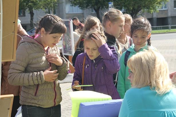 При Дворце детского творчества  работает более 270 разных секций, клубов и кружков