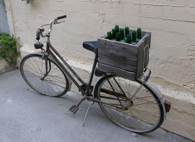 В Барановичах похитили велосипед и 20 бутылок водки