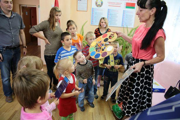 Детскому приюту подарили подарки барановичские бизнесмены