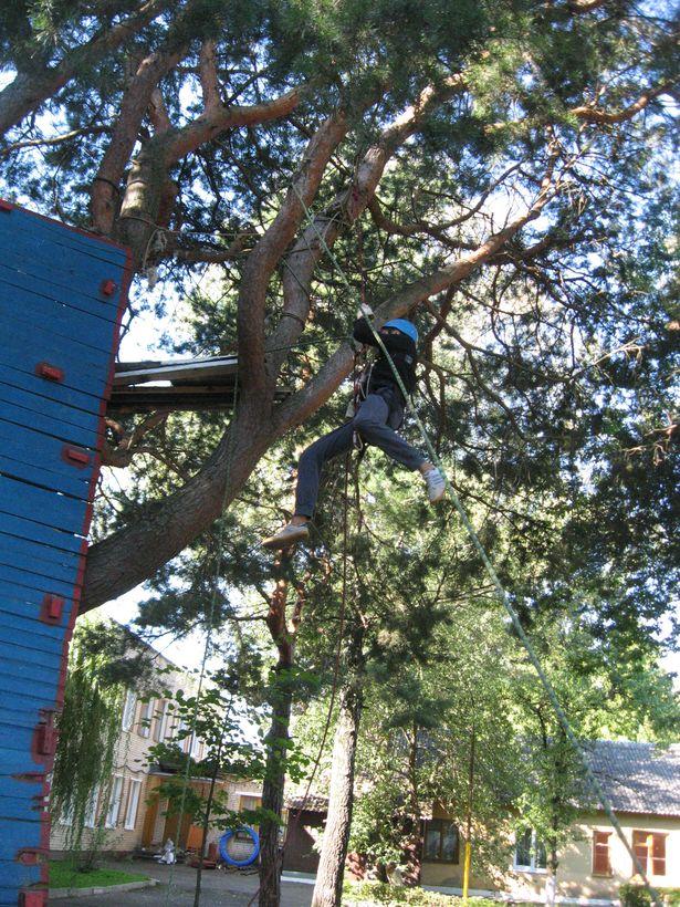 В ЦТиК школьники осваивают технику горного и пешеходного туризма.