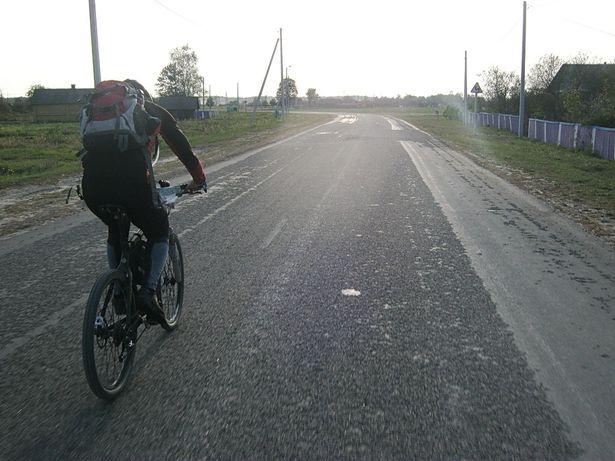270 км давялося пераадольваць на ровары. Фота Віктара ШЭРЫШАВА