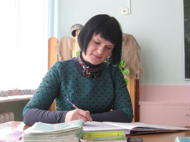 Учитель белорусского языка и литературы  СШ №16 Наталья Швед. Фото: Ольга ШИРОКОСТУП