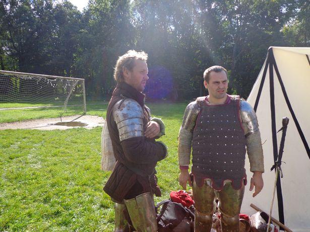 Барановичские рыцари Дмитрий Шашков и Евгений Анискевич. Фото: Елена КОМАРОВСКАЯ