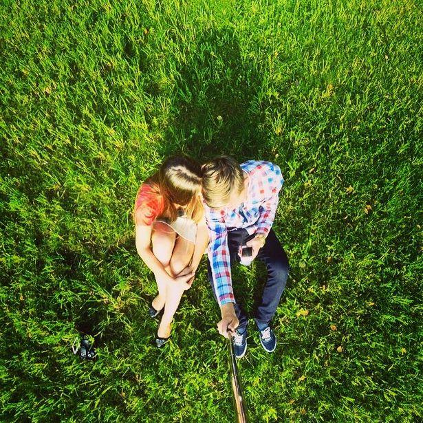 @zhenyevolkov  Двое на траве