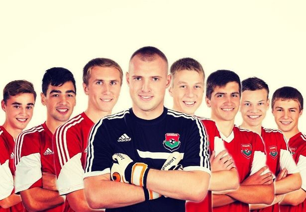 Возможно, чиновников больше устроило бы вот это фото команды. Фото с официальной страницы ВКонтакте ФК Барановичи