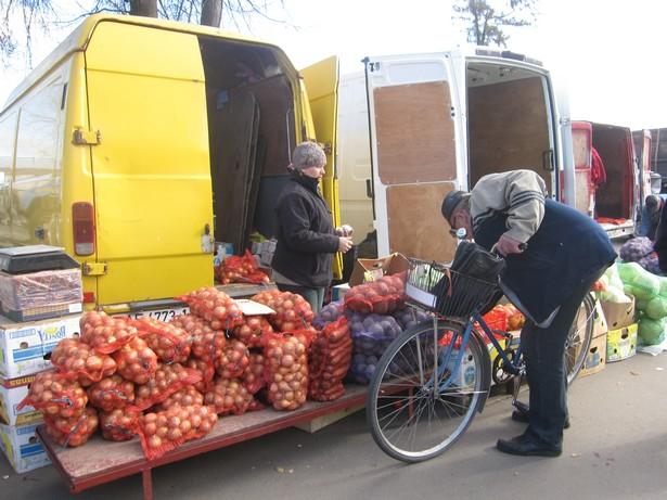 Морковь можно было купить за 2,5-3 тысячи рублей. Фото: Ольга ШИРОКОСТУП