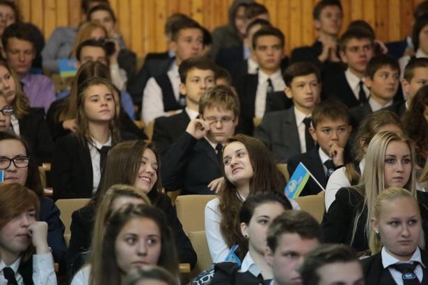 В городском Доме культуры 22 октября прошел торжественный концерт, посвященный 25-летию Лицея №1
