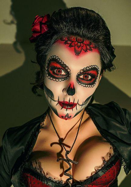 Мексиканская богиня смерти Санта Муэрто. Фото: Вячеслав ШАХ-ГУСЕЙНОВ.
