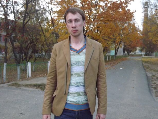 Алексей начал танцевать в 15 лет. Сейчас он является популярным танцором в редком для Беларуси стиле паппинг.