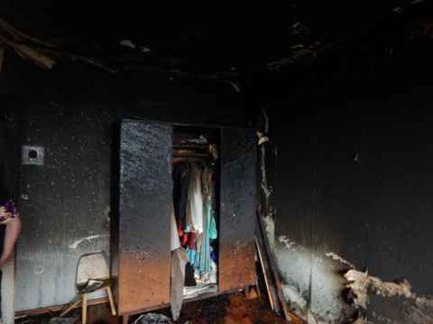 Пожар в квартире по ул. Космонавтов 31.10.2014. Фото: Барановичский ГРОЧС