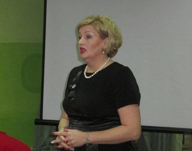 Педагог-психолог Марина Букина открывает конференцию. Фото: Елена ЗЕЛЕНКО.