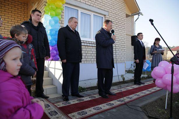 Константин Сумар выступает на церемонии открытия. Фото: Дмитрий МАКАРЕВИЧ.