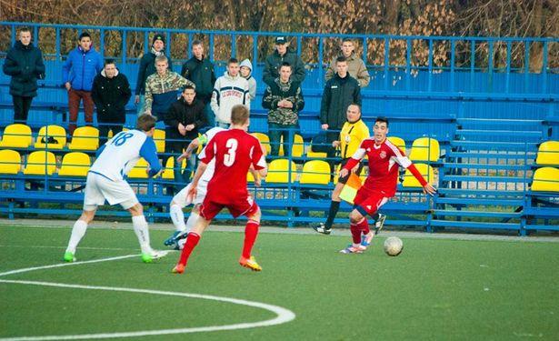 Мяч у барановичской команды. Фото: Ульян КУЛЬЧИК.