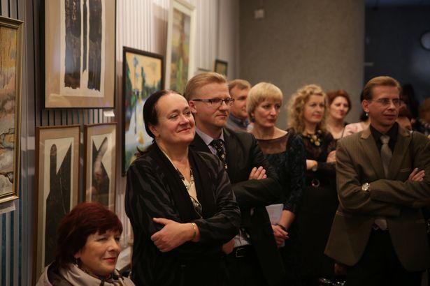 На открытии экспозиции, посвященной 85-летию краеведческого музея.