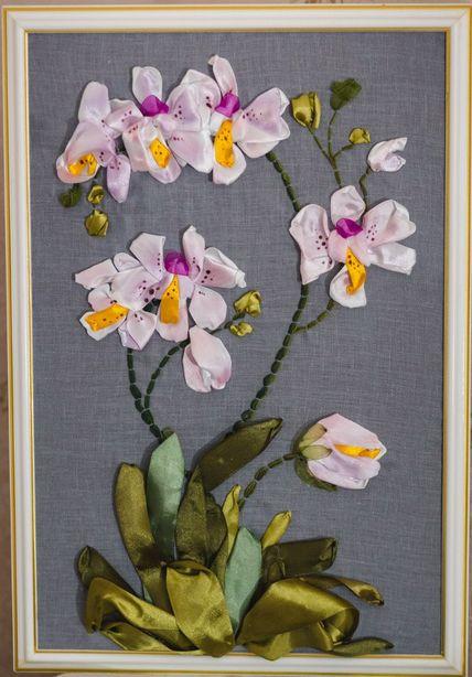 Орхидеи. Вышивка лентами Валерии Нестерук. Фото: Анатолий НЕСТЕРУК.