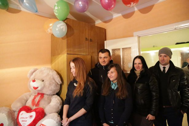 Участники Рация Zello Барановичи подарили Даше огромного медведя